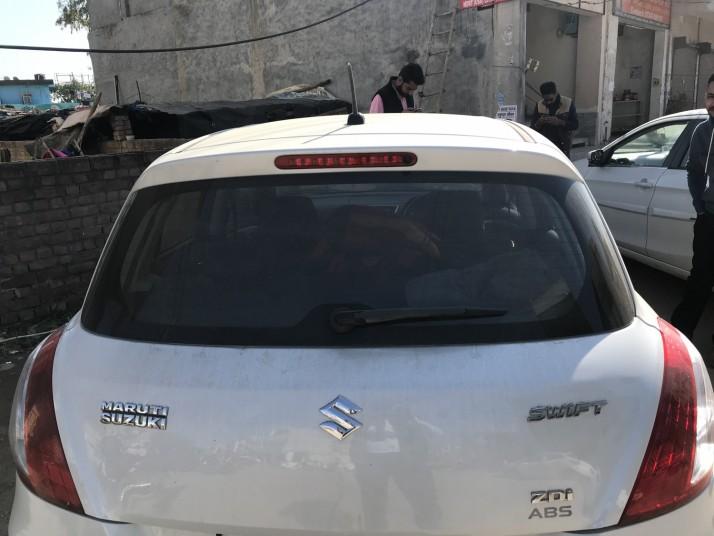 maruti-swift-zdi-top-model-2012-big-3