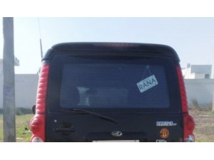 mahindra-scorpio-sle-black-colour-small-1