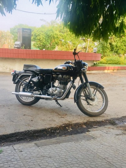 royal-enfield-bullet-big-1