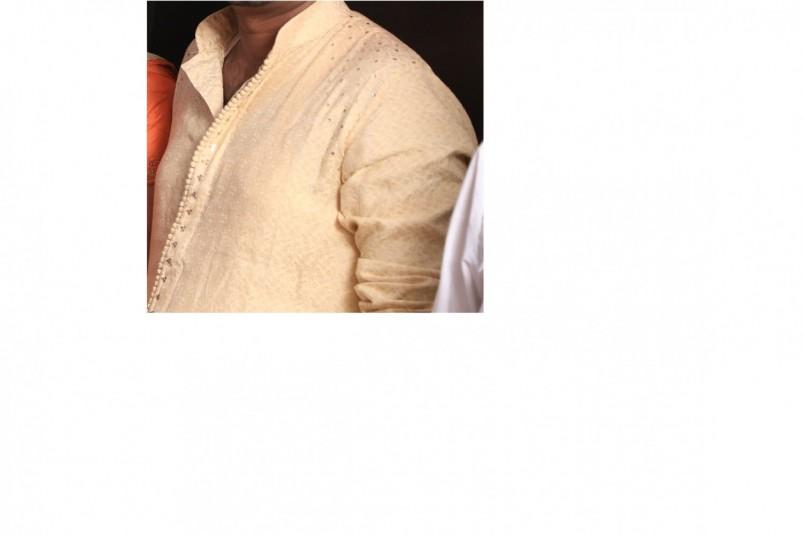 golden-sherwani-with-maroon-dupata-big-1