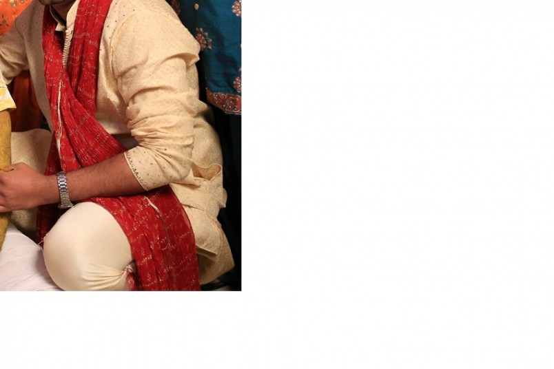 golden-sherwani-with-maroon-dupata-big-2