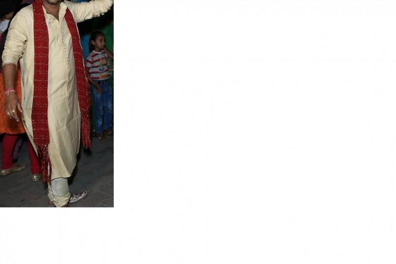 golden-sherwani-with-maroon-dupata-big-0