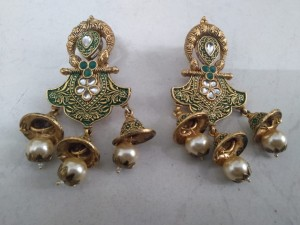 green-earrings-small-0
