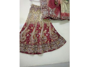heavy-bridal-lehenga-in-a-good-condition-small-1