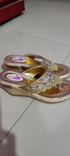 fancy-sandal-big-1