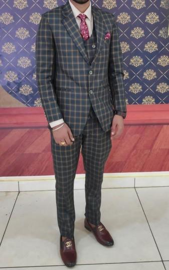men-suit-big-0